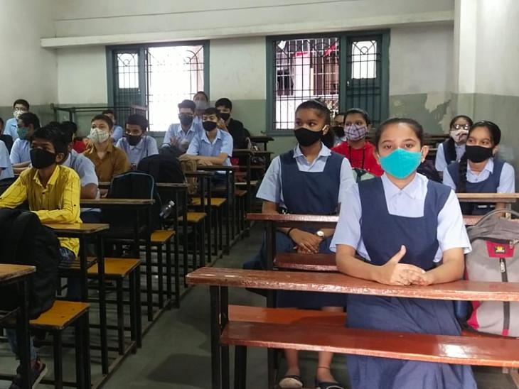 માધ્યમિક વિભાગની શાળાનો વર્ગ (ફાઇલ ફોટો)