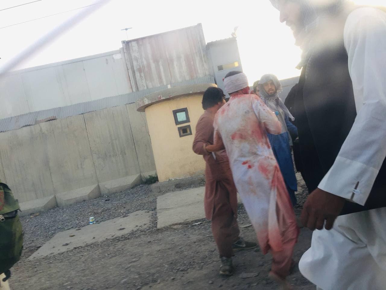 આશંકા વ્યક્ત કરી હતી કે ISIS કાબુલ એરપોર્ટમાં હુમલો કરી શકે છે.