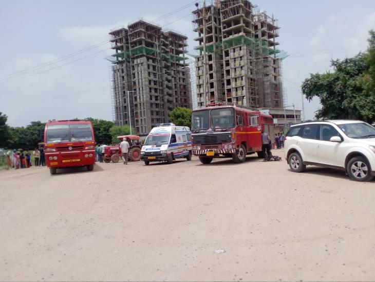 ફાયર વિભાગ અને 108ની ગાડીઓ ઘટના સ્થળે પહોંચી ગઈ હતી