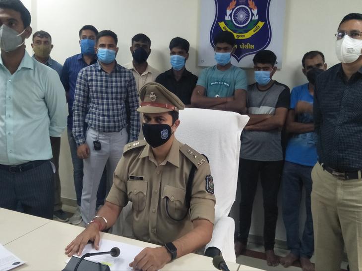 બામરોલી ઓઈલ ચોરીમાં પોલીસે આરોપીઓને પકડી લીધા હતા. - Divya Bhaskar