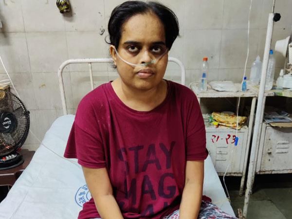 કોરોના અને તેના લીધે બગડી ગયેલા ફેફસાં ને સુધારવાની 119 દિવસ સારવાર આપીને પુષ્પાબેનને કર્યા રોગમુક્ત અને સ્વસ્થ|વડોદરા,Vadodara - Divya Bhaskar