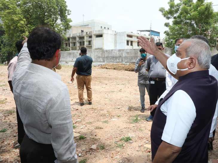 અમદાવાદ સિવિલ મેડિસિટીની 1200 બેડ મહિલા અને બાળ હોસ્પિટલની નીતિન પટેલે મુલાકાત લીધી, સુવિધાની જાત માહિતી મેળવી|અમદાવાદ,Ahmedabad - Divya Bhaskar