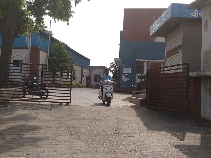 નવસારી શહેરમાં આવેલી વીજકંપનની મુખ્ય કચેરી. - Divya Bhaskar