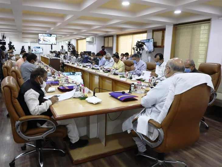 શાહની અધ્યક્ષતામાં દિશાની બેઠકમાં સાંસદો, મંત્રીઓ, ધારાસભ્યો અને જિલ્લા વહિવટી તંત્ર જોડાયું