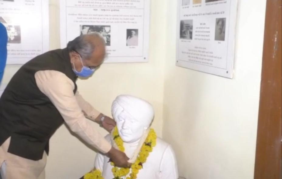 ચોટીલા ખાતે રાષ્ટ્રીય શાયર ઝવેરચંદ મેઘાણીની 125મી જન્મજયંતીની ઉજવણી કરાઇ - Divya Bhaskar
