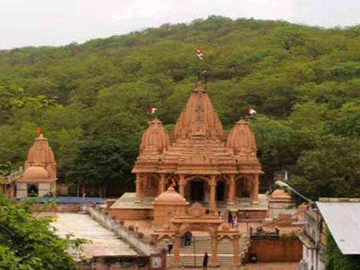 તુલસી શ્યામ, શ્રીકૃષ્ણ-રુક્મિણીનું મંદિર.