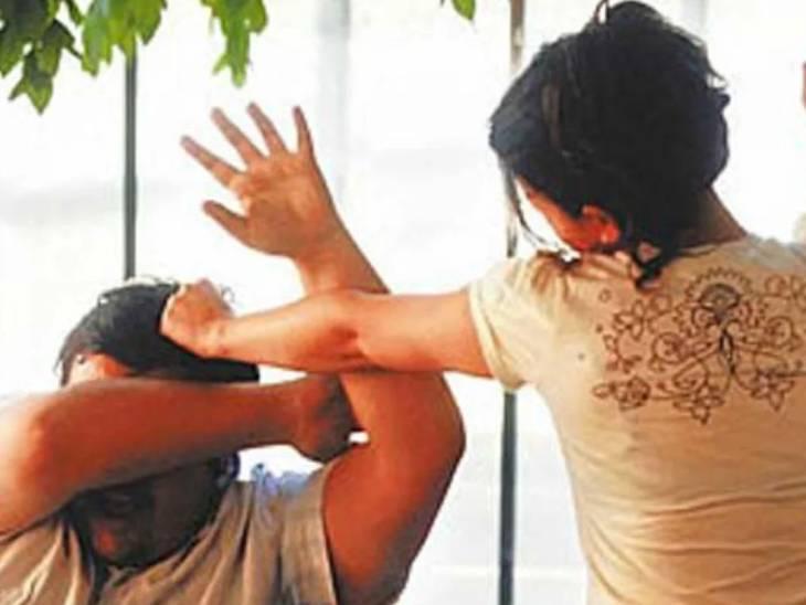અમદાવાદમાં માત્ર પાંચ હજાર આપવાની ના પાડતાં પતિ પર પૂર્વ પત્ની, દીકરી અને જમાઈનો હુમલો, કપડાં ફાડી પાઇપથી માર્યો|અમદાવાદ,Ahmedabad - Divya Bhaskar