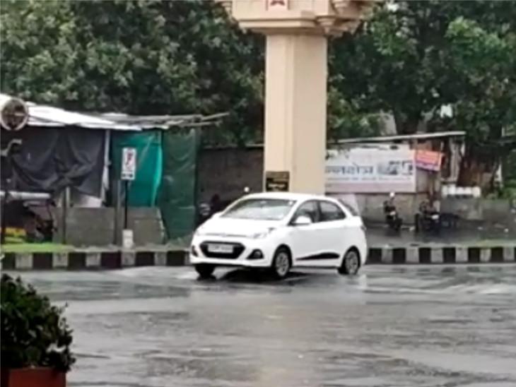 વરાછા-રાંદેરમાં અડધો ઇંચ વરસાદ, પારો 1.6 ડિગ્રી ગગડ્યો, આજે ભારે વરસાદની આગાહી|સુરત,Surat - Divya Bhaskar