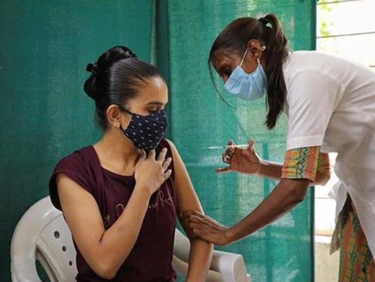 કોરોના કાબૂમાં અને રસીકરણે તેજી પકડી, કુલ 84.46 ટકાને પહેલો ડોઝ અપાયો, આજે 203 સેન્ટર પર વેક્સિનના બંને ડોઝ અપાશે|સુરત,Surat - Divya Bhaskar