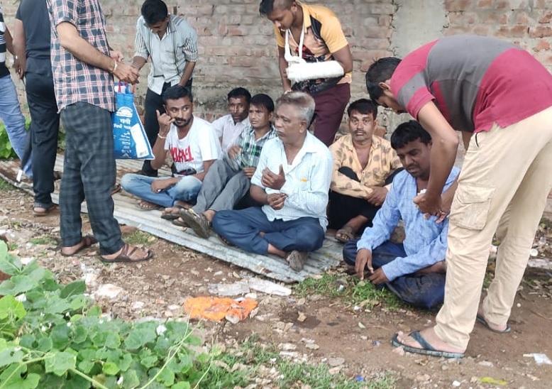 અમદાવાદના નરોડામાં ચાલતા જુગારધામ પર ગાંધીનગર વિજિલન્સની ટીમે રેડ પાડી, 8 આરોપીઓ સહિત 1.13 લાખનો મુદ્દામાલ જપ્ત|અમદાવાદ,Ahmedabad - Divya Bhaskar
