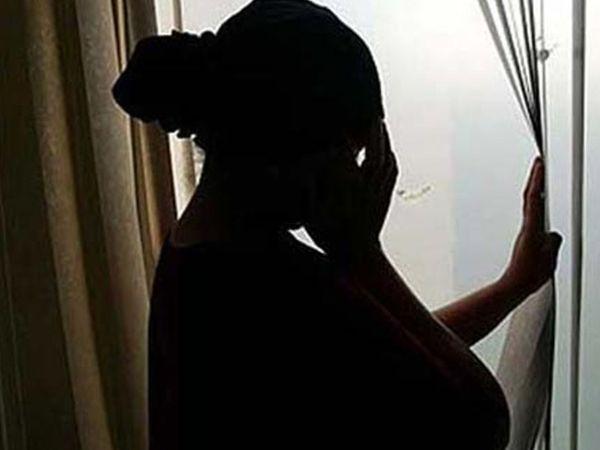 સગીરાને 6 મહિના બાદ જાણ થઈ કે તેનો પ્રેમી અન્ય ધર્મનો છે. ( પ્રતિકાત્મક તસવીર)