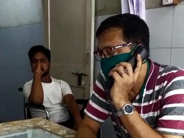સુરતમાં ઉંદર કરડતા યુવાન સારવાર માટે સિવિલ હોસ્પિટલમાં પહોંચ્યો, રેસિડેન્ટ ડૉક્ટરે પોલીસે કેસ વગર સારવાર કરવાની ના પાડતા ભારે હોબાળો|સુરત,Surat - Divya Bhaskar