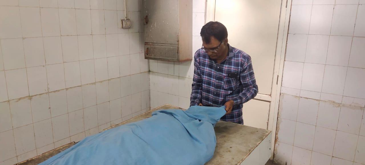 ડીસાના જોખમનગર વિસ્તારમાં જીઇબીના કર્મચારીને વીજ કરંટ લાગતા મોત|પાલનપુર,Palanpur - Divya Bhaskar