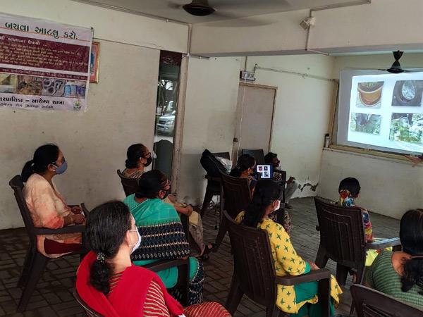 રાત્રી સભાથી જાગૃતિ ફેલાવવાનો પ્રયાસ. - Divya Bhaskar