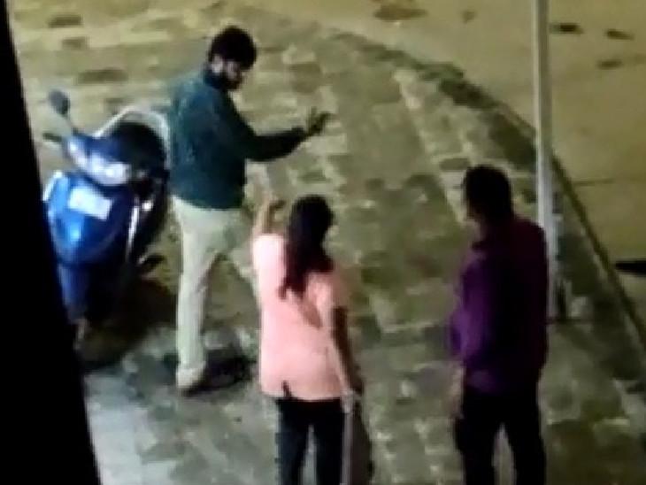 પતિને છોડી દેવા પત્ની બોગસ પીએસઆઇ સમક્ષ કરગરી હતી