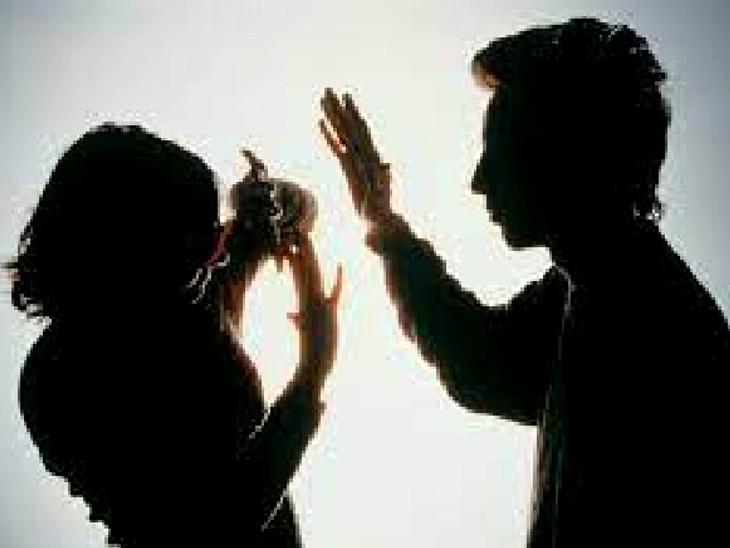 પતિ અન્ય સ્ત્રીઓ સાથેના આડા સંબંધ તથા દારૂ અને ડ્રગ્સની કુટેવના પગલે પત્ની સાથે અવારનવાર ઝઘડા કરીને મારઝૂડ કરતો હતો(પ્રતિકાત્મક તસવીર)
