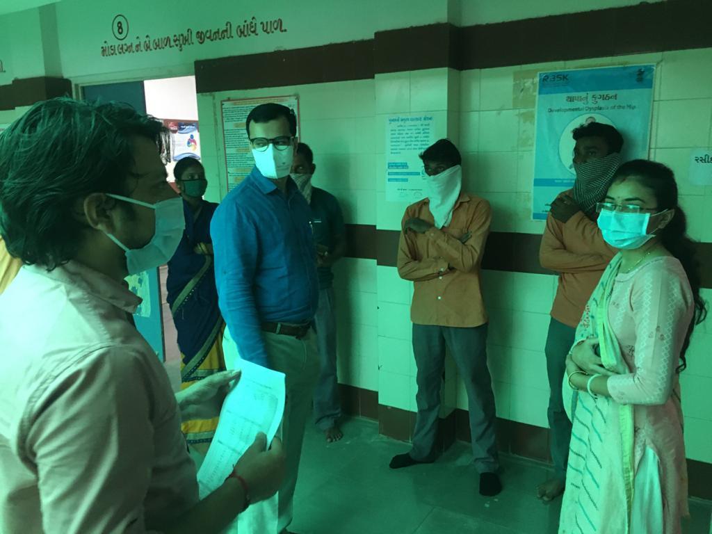 સુરેન્દ્રનગર જિલ્લામાં રસીકરણ અભિયાન પૂરજોશમાં, 60 ટકાથી વધુ લોકોનું રસીકરણ સંપન્ન - Divya Bhaskar