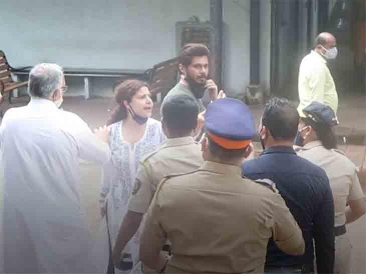 સિદ્ધાર્થ શુક્લાના અંતિમ સંસ્કારમાં સંભાવના સેઠના પતિ અને પોલીસ વચ્ચે ઝપાઝપી થઈ|ટીવી,TV - Divya Bhaskar