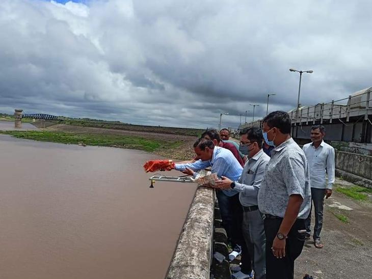 હિરણ-2 માં 4 માસ ચાલે એટલું પાણી આવ્યું - Divya Bhaskar