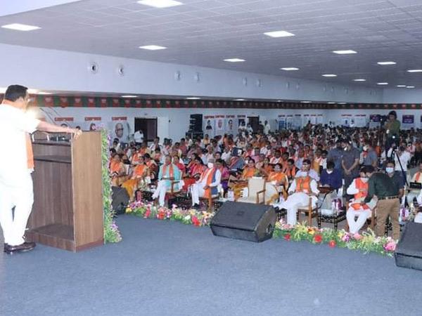 ભાજપના બૂથનો ઇન્ચાર્જ પ્રશાંત કિશોર કરતાં સવાયો છેઃ રૂપાણી|અમદાવાદ,Ahmedabad - Divya Bhaskar