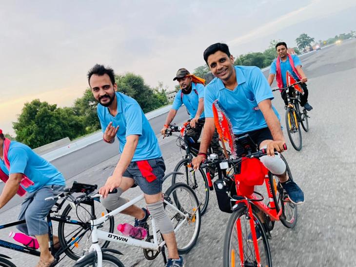 પાટણના ઝીણીપોળ અને ગુર્જરવાડાના 60 યુવાનોએ સાઇકલ યાત્રા સાથે માઁ ના ધામ અંબાજી તરફ પ્રસ્થાન કર્યું|પાટણ,Patan - Divya Bhaskar