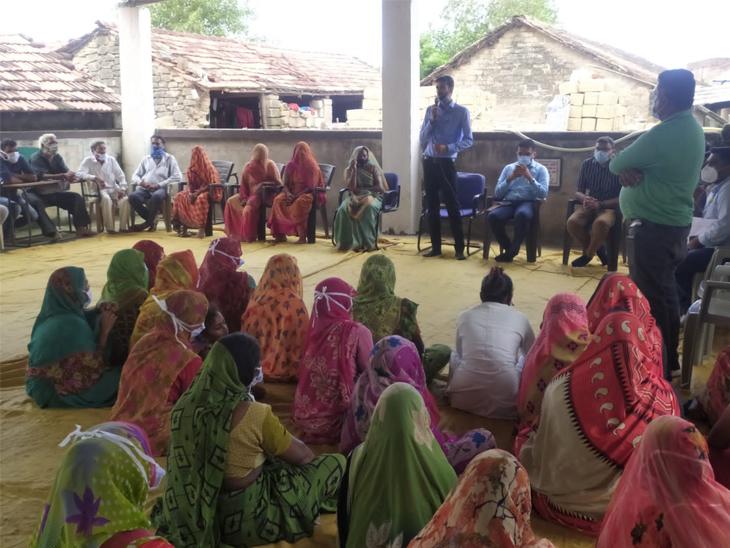 રાજકોટના 96 ગામોમાં 100% વેક્સિનેશન, શહેર-જિલ્લાના કુલ 25 લાખથી વધુ લોકોને વેક્સિનના ડોઝ અપાયા|રાજકોટ,Rajkot - Divya Bhaskar
