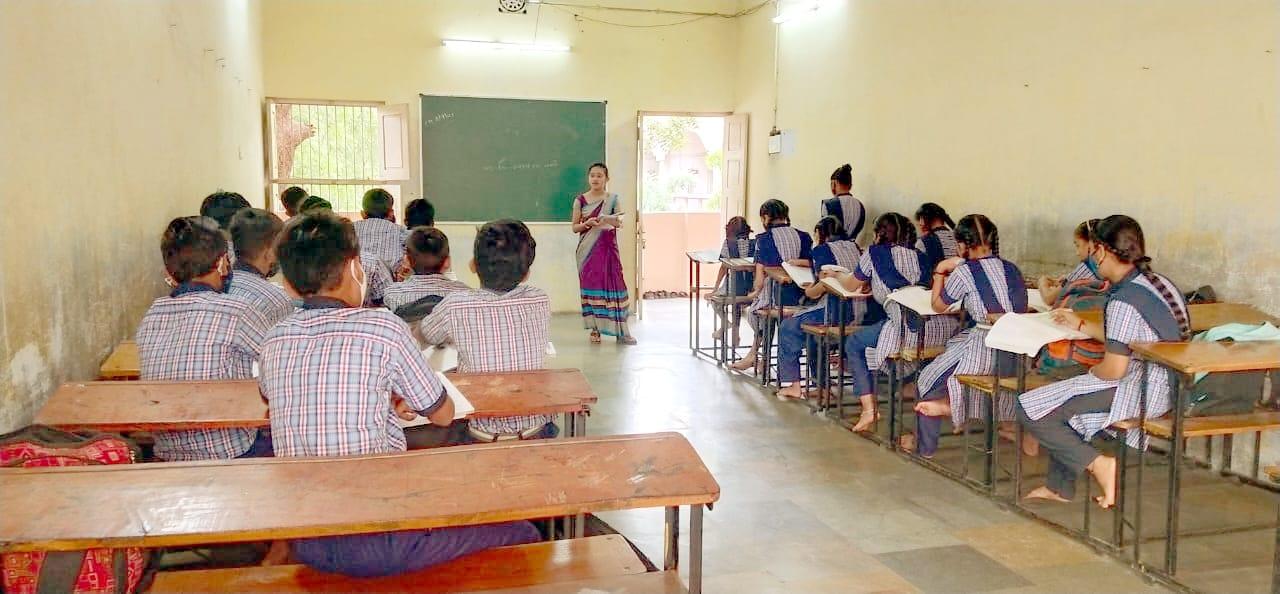 ખેડા જિલ્લામાં ઠેરઠેર એક દિવસ અગાઉ શિક્ષક દિનની ઉજવણી કરાઈ|નડિયાદ,Nadiad - Divya Bhaskar