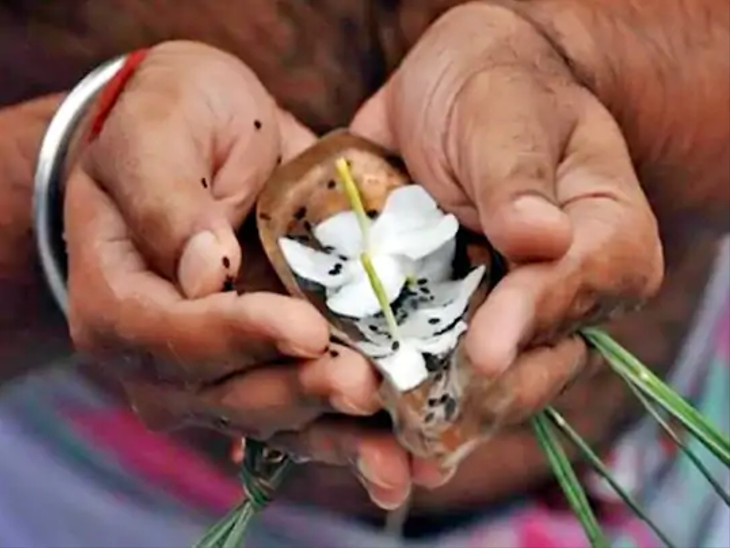 ચંદ્રની મહાકળા અમા છે, અમાસના દિવસે ચંદ્ર અને સૂર્ય એક જ રાશિમાં રહે છે|ધર્મ,Dharm - Divya Bhaskar