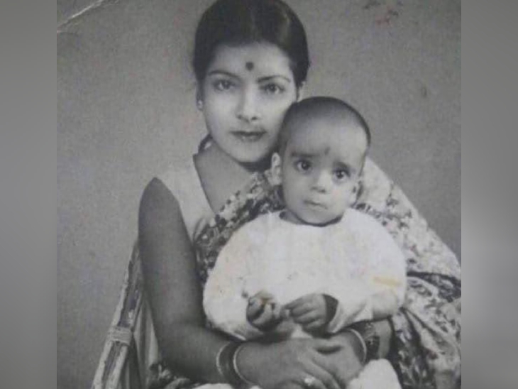 પોતાની માતા સાથે જીવેષુ. તેઓ જ્યારે ચાર વર્ષના હતા ત્યારે તેમના પિતાનું નિધન થયું હતું. તેના પછી તેમની માતાએ જ તેમને ઉછેર્યા.