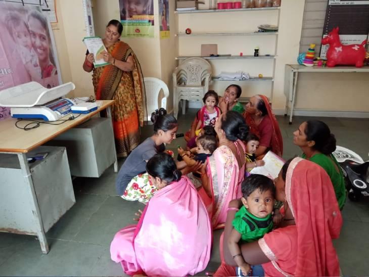 કુપોષિત બાળકો માટે સરકાર અભિયાન ચલાવી રહી છે - Divya Bhaskar
