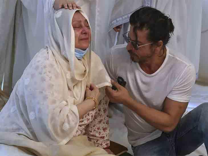 , હેલ્થ અપડેટ:સાયરાબાનોને હોસ્પિટલમાંથી રજા મળી, ફેમિલી ફ્રેન્ડ ફૈઝલે કહ્યું- હવે તેમની તબિયત સારી છે, ઘરે આરામ કરે છે, The World Live Breaking News Coverage & Updates IN ENGLISH
