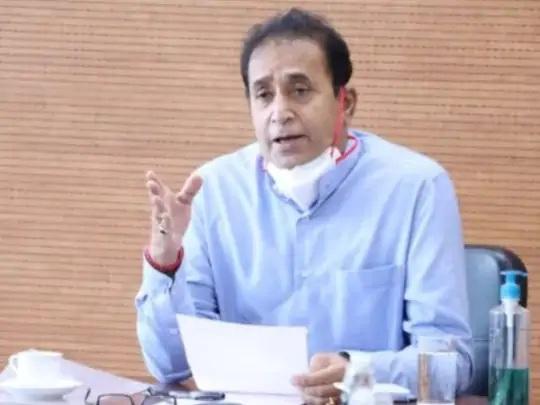અનિલ દેશમુખે 100 કરોડ રૂપિયાની વસૂલાત કેસમાં પ્રાથમિક તપાસ બાદ એપ્રિલમાં રાજીનામું આપ્યું હતું, પરંતુ આરોપોને નકાર્યા હતા. - Divya Bhaskar