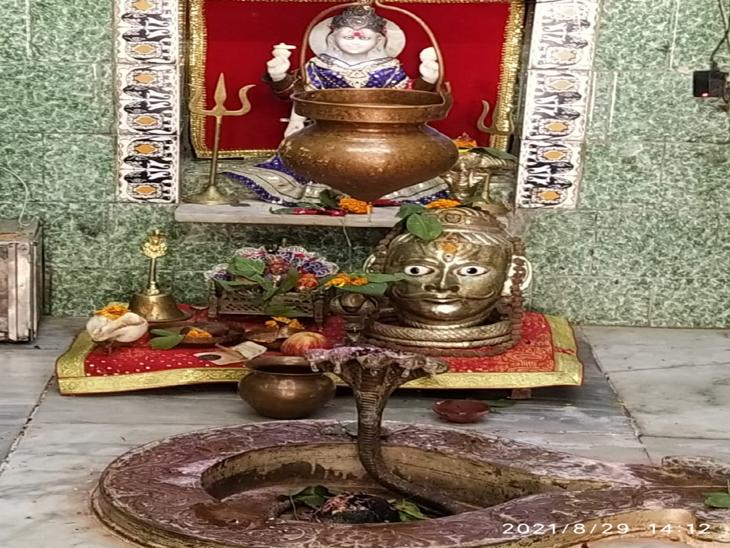 પ્રતિકકુંભેશ્વર ગામનું મહાદેવ મંદિર. - Divya Bhaskar