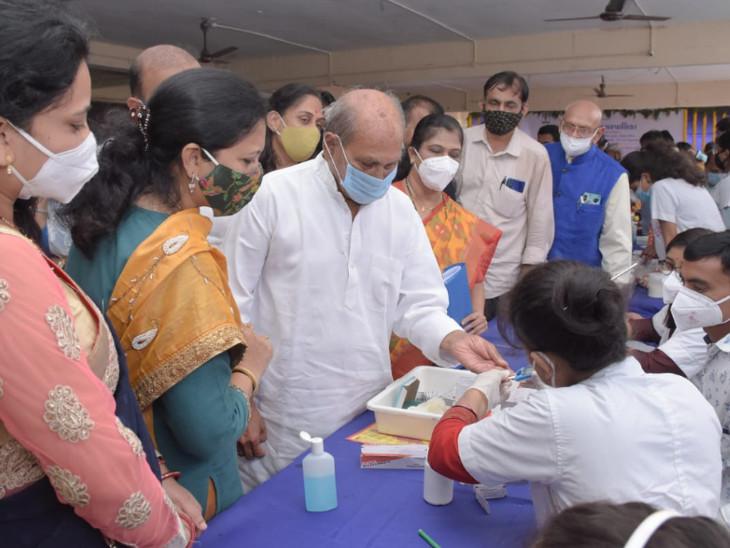 વડોદરામાં નર્મદા વિકાસ રાજ્યમંત્રીએ નિ:શુલ્ક આરોગ્ય શિબિરનો પ્રારંભ કરાવ્યો, PM મોદીના જન્મદિવસ સહિત કુલ 21 જન આરોગ્ય કેમ્પ યોજાશે વડોદરા,Vadodara - Divya Bhaskar