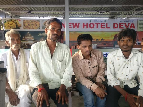 પુત્રની ભાળ મળી જતાં પરિવારમાં આનંદની હેલી. - Divya Bhaskar