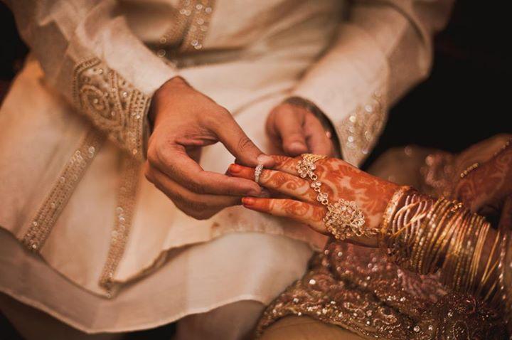 ત્રણ બાળકોની માતા 10 વર્ષના લગ્નજીવનમાં 25 વખત પરપુરુષોસાથે ભાગી ગઈ, પતિએ કહ્યું, 'હું તેનેપ્રેમ કરું છું, કાયમ તેનો સ્વીકાર કરીશ'|લાઇફસ્ટાઇલ,Lifestyle - Divya Bhaskar