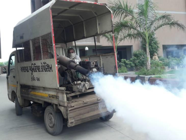 અમદાવાદમાં રોગચાળો વકરી ગયા બાદ ભાજપના શાસકો અને અધિકારીઓએ ફોગિંગ માટેનું 3.50 કરોડનું ટેન્ડર મંજુર કર્યું અમદાવાદ,Ahmedabad - Divya Bhaskar