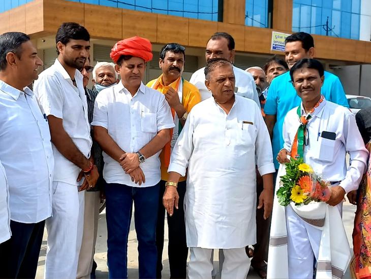 કોરાના મૃતકોને સહાય, નોકરી મુદ્દે કોંગ્રેસ લડત આપવા તૈયાર: ધાનાણી વિસનગર,Visnagar - Divya Bhaskar