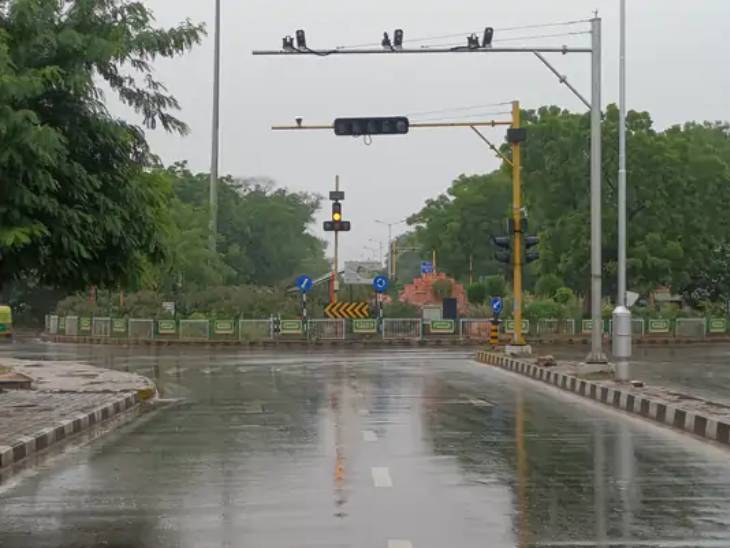 ગાંધીનગરમાં પણ ધીમી ધારે વરસાદ થયો હતો