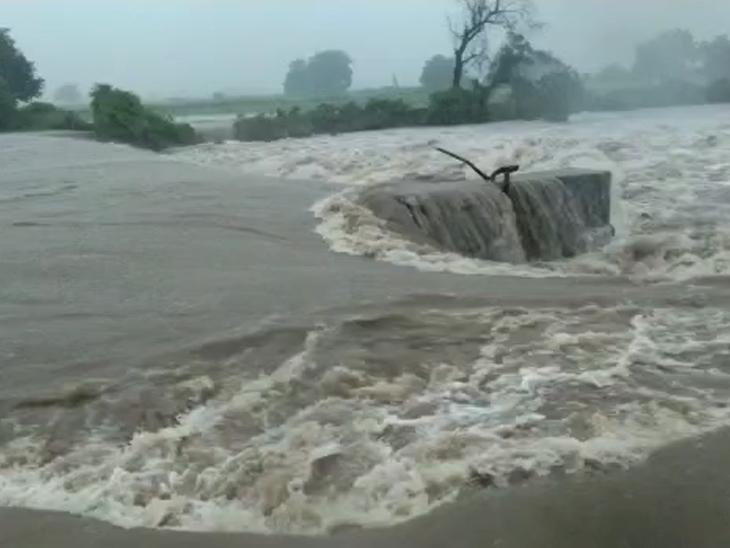 નદીઓ ગાંડીતૂર બની