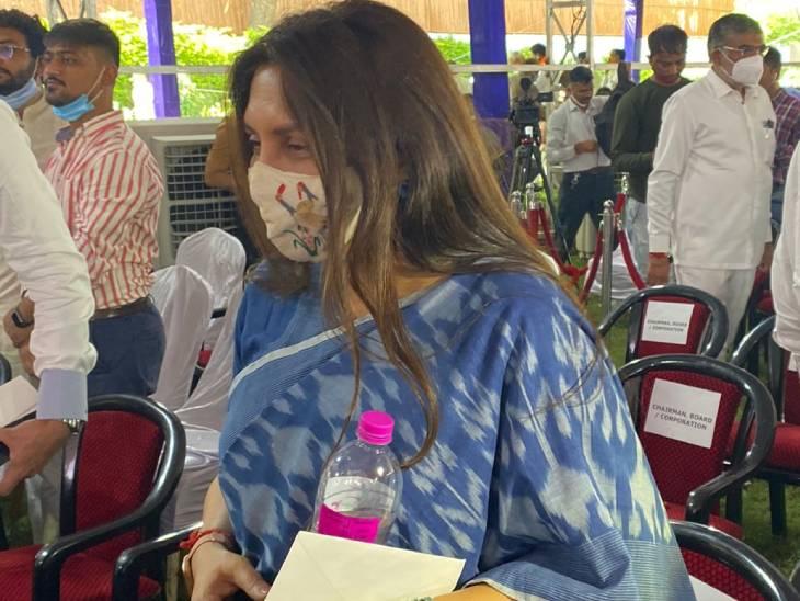 ગુજરાતના પૂર્વ મુખ્યમંત્રી આનંદીબેન પટેલની પુત્રી અનાર પટેલ