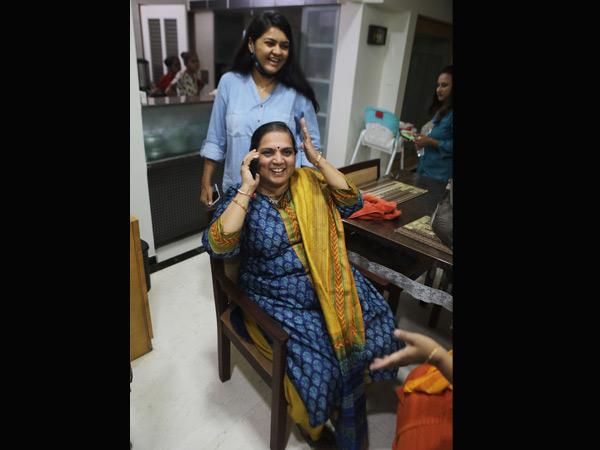 પતિ ભૂપેન્દ્ર પટેલ મુખ્યમંત્રી બન્યાના ન્યૂઝ પત્નીને ટીવી પરથી મળ્યા, પુત્રને પણ ઊંઘમાંથી ઉઠાડી સમાચાર આપ્યા|અમદાવાદ,Ahmedabad - Divya Bhaskar