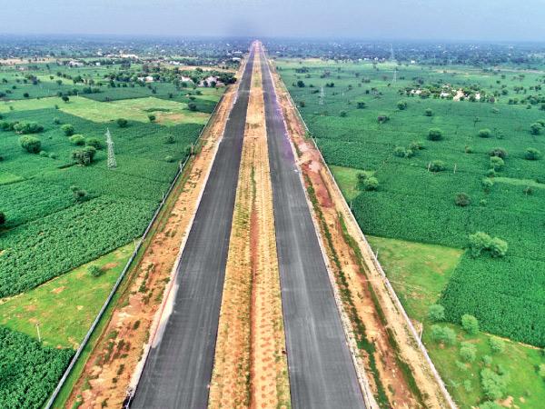 ગુજરાત સહિત 5 રાજ્યમાંથી પસાર થતા એક્સપ્રેસ-વે પર ઇ-વ્હીકલ માટે 4 લેન હશે, મુંબઈથી દિલ્હી સુધીનું અંતર 13 કલાકમાં કપાઈ જશે|ઈન્ડિયા,National - Divya Bhaskar