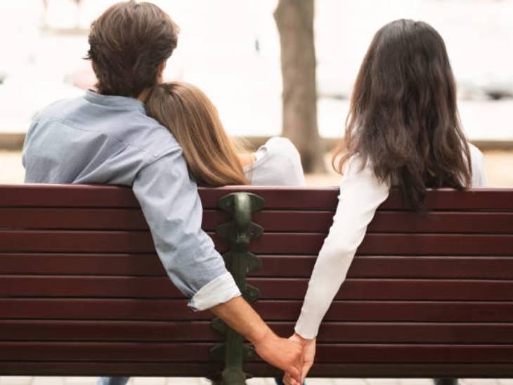 પ્રેમિ પોતાની પત્ની અને પ્રેમિકાને અલગ રાખીને બંને સાથે રહેવા લાગ્યો ( પ્રતિકાત્મક તસવીર)