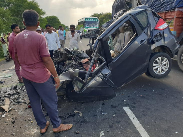 મોડાસા રોડ પર કાર અને ટેન્કર વચ્ચે અકસ્માતમાં કાર લોચો વળી ગઇ હતી અને કારમાં સવાર દંપતીનું ઘટના સ્થળે મોત નીપજ્યું હતું. - Divya Bhaskar