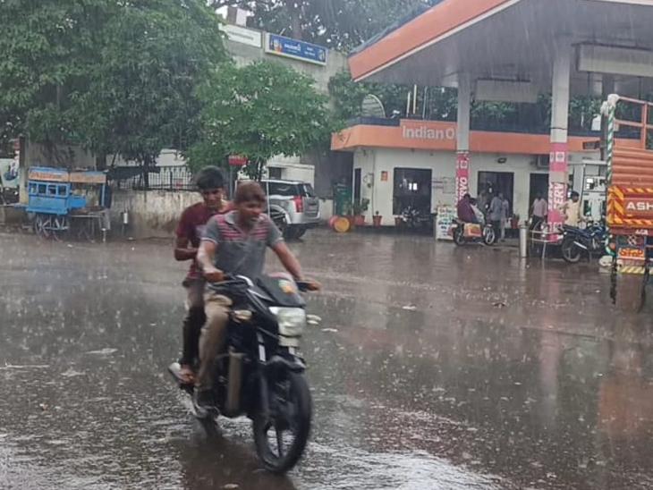 કપડવંજ તાલુકામાં બે ઈંચ વરસાદ જિલ્લામાં બે દિવસમાં 4 ટકાનો વધારો|નડિયાદ,Nadiad - Divya Bhaskar