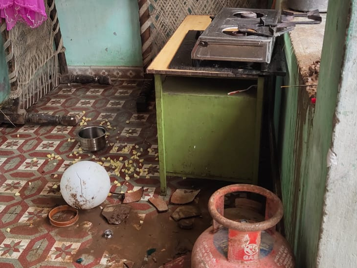 પુત્રીના ઘર પર પરિવાર દ્વારા હુમલો કરવામાં આવ્યો હતો. - Divya Bhaskar