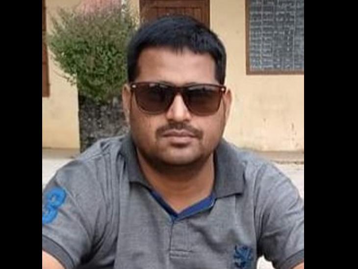 શિક્ષક દશરથસિંહ - Divya Bhaskar