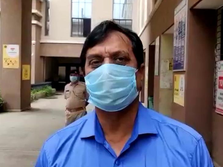 રાજકોટ મનપાના ડેપ્યુટી કમિશનર એ.કે. સિંહની રાહબરી હેઠળ 200 સફાઈ કર્મચારીઓને જામનગર મોકલવામાં આવ્યા