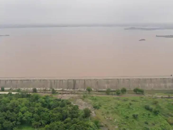સૌરાષ્ટ્ર અને દક્ષિણ ગુજરાતમાં નદી-નાળાં છલકાયાં.